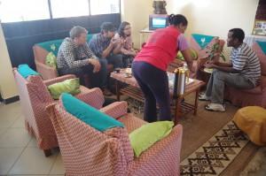 IMGP6416_Kaffe_Snacks_Tomaso_SOS-Addis