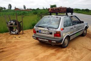 Micra-Reifenservice-Tansania-P0398